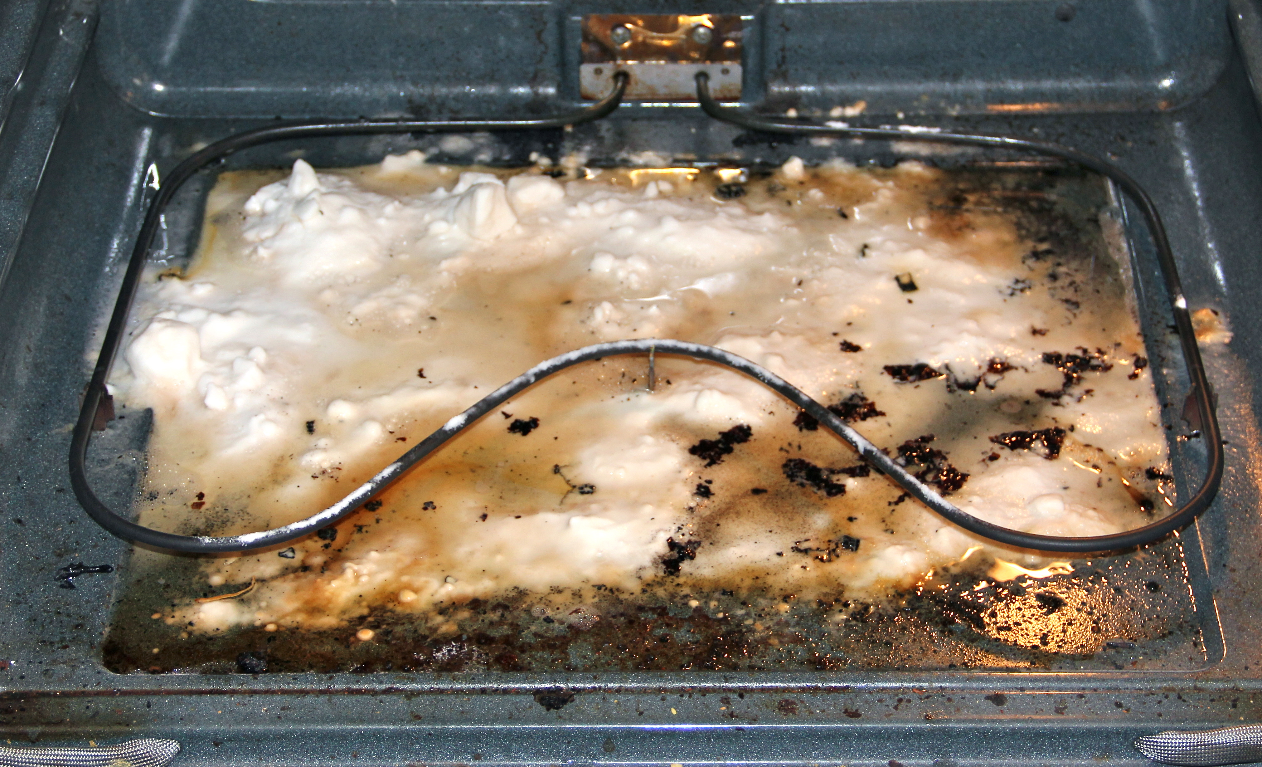 How to clean your oven safely and why not to use the self clean img8155 my oven solutioingenieria Image collections